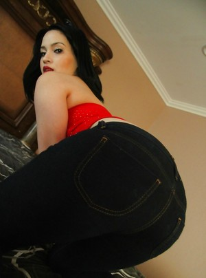 Big Butt in Jeans Porn