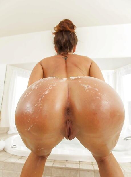 Wet Butts Porn