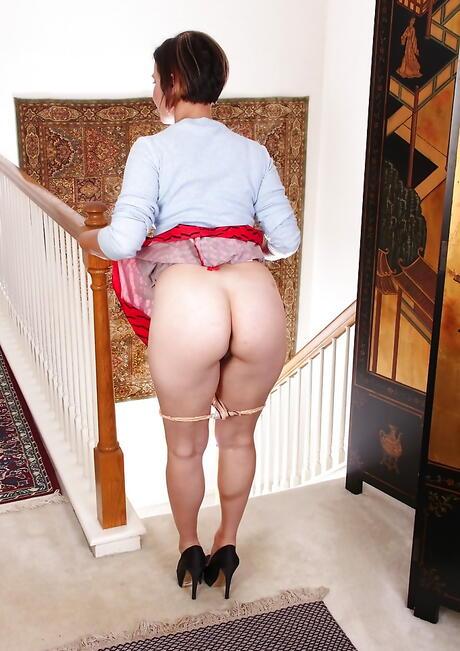 Butt Upskirt Porn