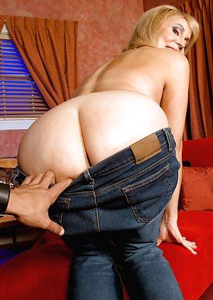 Mature Butts Porn