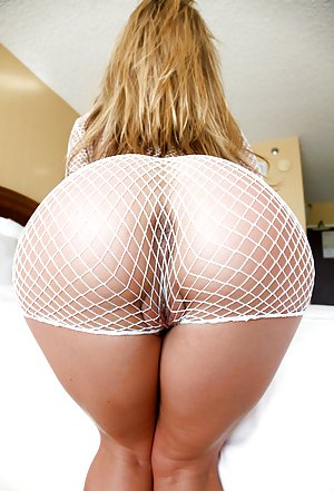 Blonde Butts Porn